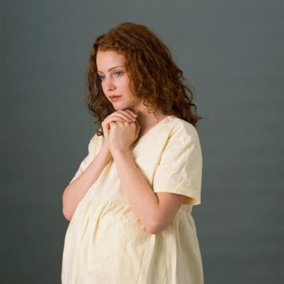 پاورپوینت بارداريهاي پر خطر و نحوه برخورد با مادران باردار با ريسك بالا