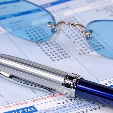 بررسی نسبت های مالی تعهدی و نقدی
