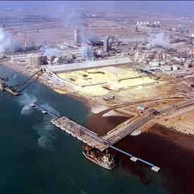 بررسی تاثیر کارخانجات بر آلودگی محیط زیست
